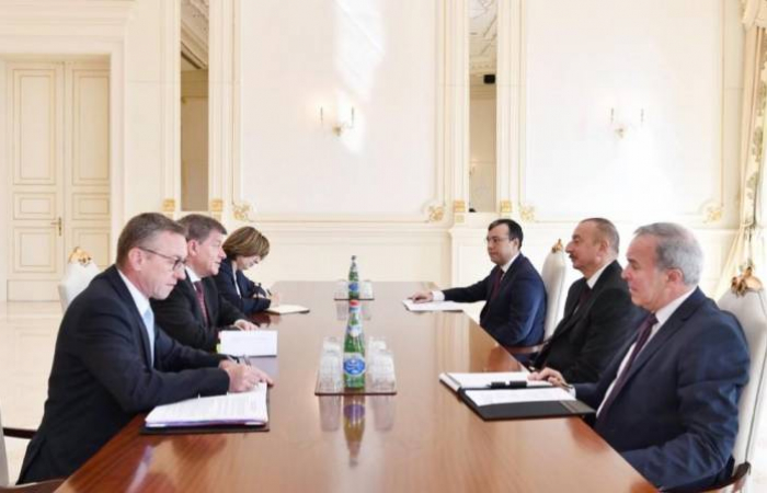 Ilham Aliyev recibe al director general de la OIT